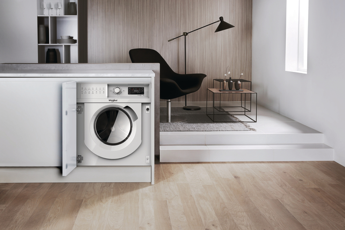 Whirlpool FreshCare+ built-in washing machine
