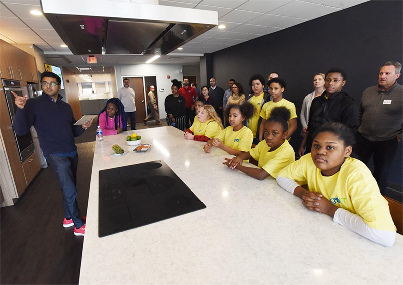 Benton Harbor Students Pitch Mobile App Projects